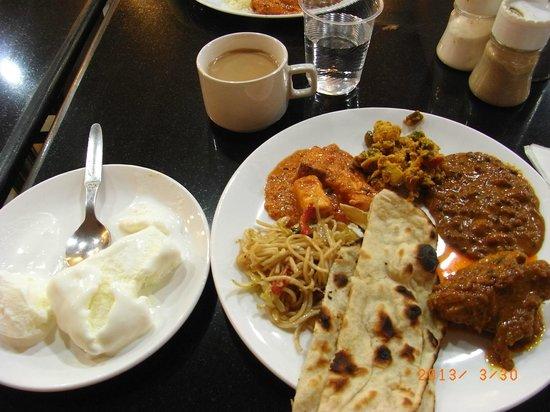 Hotel Ganga Ratan: 夕食