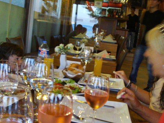 Almera Restaurant: juni 2012