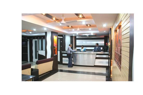 Hotel Aditya Deluxe : COURTEOUS RECEPTION