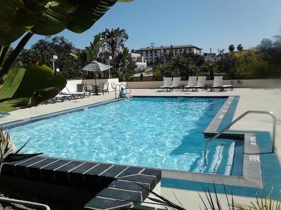 Crowne Plaza Los Angeles Harbor Hotel : Heated Pool