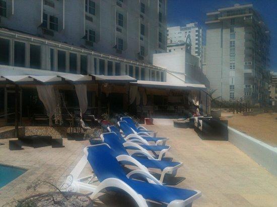 San Juan Beach Hotel: Pool area