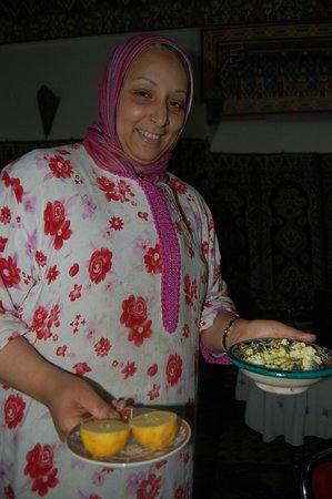 Restaurant dar hatim: Preparing a meal for us - that we didn't think we'd be able to try ... :)