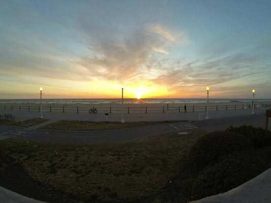 Quality Inn & Suites Oceanfront: 2nd floor sunrise 4/03/2013