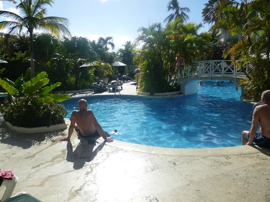 Mango Bay All Inclusive: pool