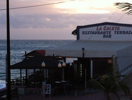 Restaurante La Caleta: Fishing village restaurant