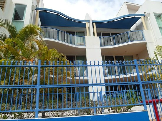 Surfers Beach Resort One : vue d'une partie des appartements