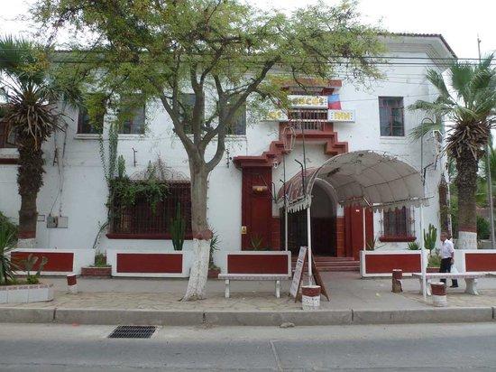 Los Cocos Inn
