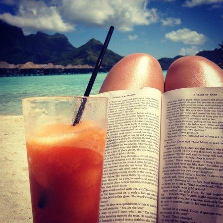 Four Seasons Resort Bora-Bora : Bora Bora's Library ;)