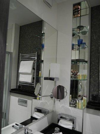 Cosmopolite Hotel : Bathroom
