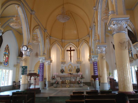 Danang Cathedral : A look inside Danang's Cathedral
