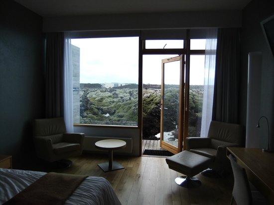 Silica Hotel: room