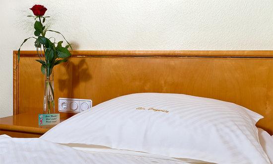 Hotel zum Freigericht: ZimmerTeilansicht