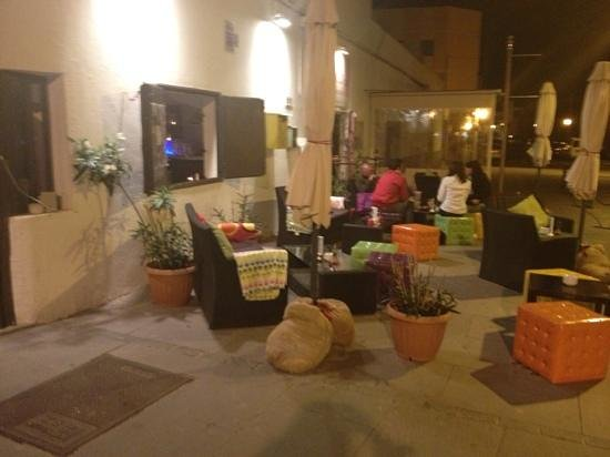 Blanco Cafe: outside in the evening