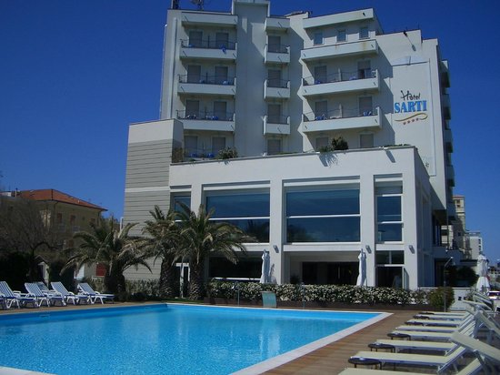 Hotel Sarti: Außenansicht