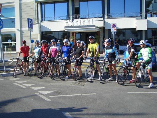 Hotel Sarti: Start der Radgruppe
