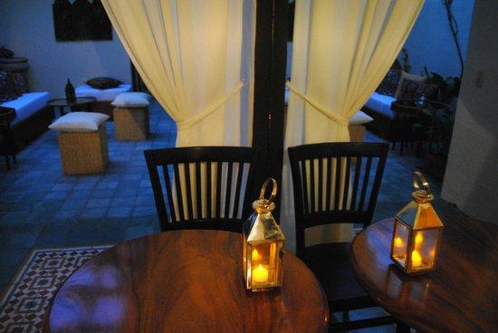 Shi Sha Cafe & Tapas Bar : Moroccan Garden Lounge