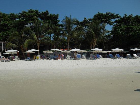 Sai Kaew Beach Resort: Bild på resorten (Premier Seaside-delen) från havet