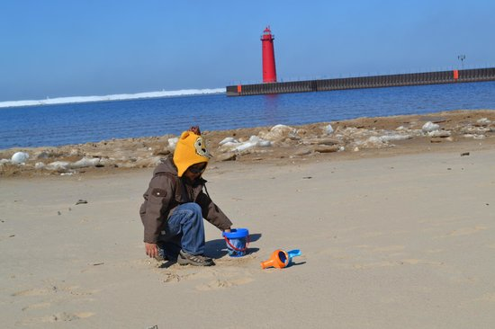 Pere Marquette Park: Beach and Light house