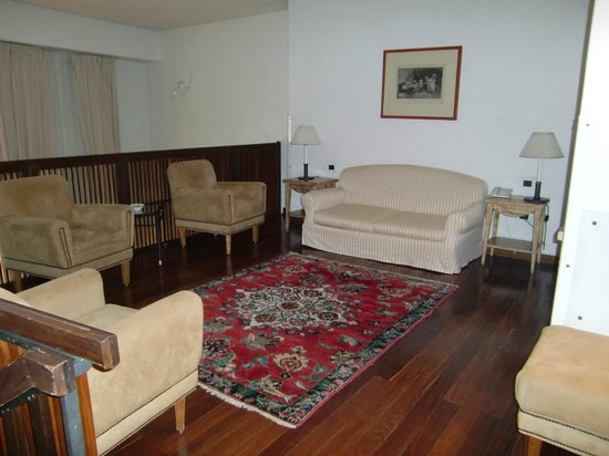 Grand Hotel Minerva: Sala de estar