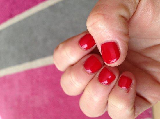 Cedar Falls Health Farm : Nails