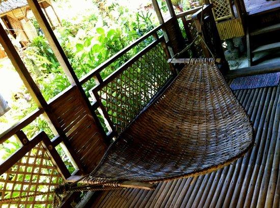 Melinda's Garden: Bungalows come with hammocks