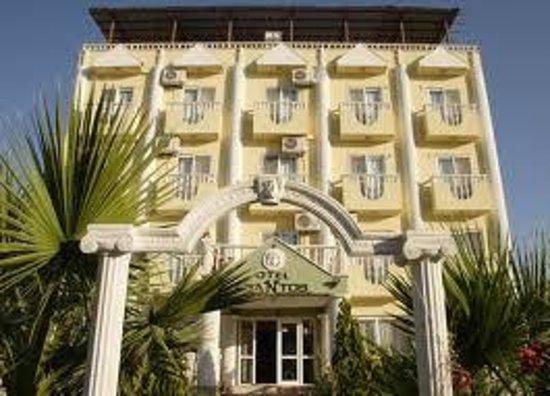Hotel Ksantos: Hotelgelände
