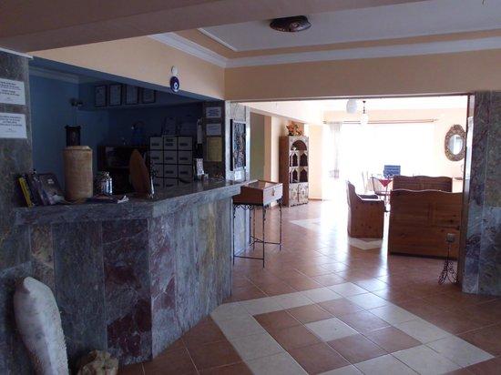 Hotel Ksantos: Recepsion Empfang