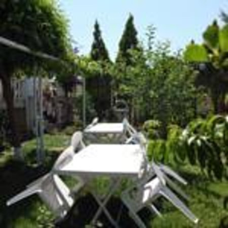 Hotel Ksantos: Garten&Cafe