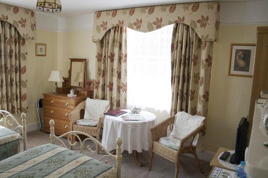 Verandah House: Ground Floor Bedroom