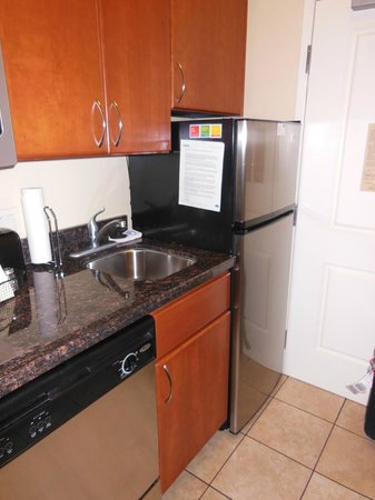 TownePlace Suites St. George: full sized fridge!!!