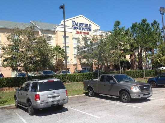 Fairfield Inn & Suites Titusville Kennedy Space Center: Front of hotel