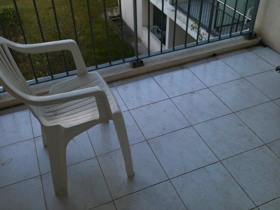 Appart'hôtel Odalys Aix Chartreuse : l'équipement du balcon...