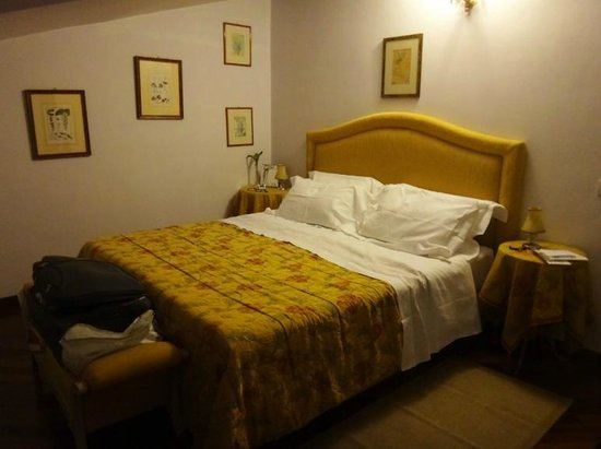 Campo Regio Relais: Bedroom (top floor apartment)