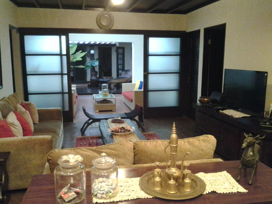 Rumah Dangdos B&B : Living room