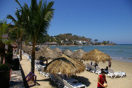 Decameron Los Cocos: nice gentle view of the beach
