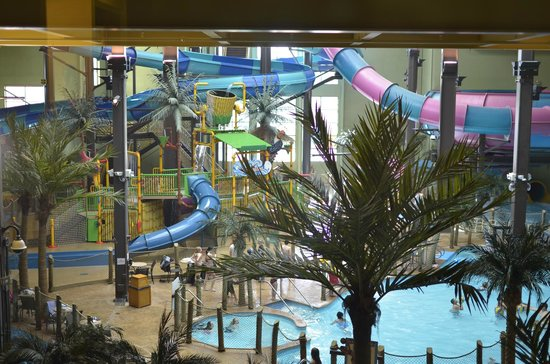 Maui Sands Resort & Indoor Waterpark: View of waterpark from our room