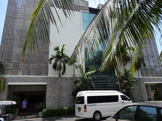 Serenity Resort & Residences Phuket : entree de l hotel