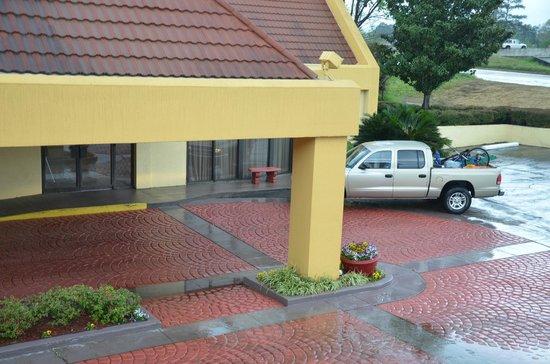 Quality Inn : La Quinta Inn, Jackson