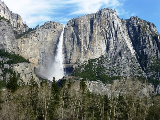 Highland House Bed & Breakfast: Yosemite falls