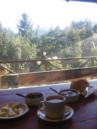 Hostel La Angostura: Vista desde el desayuno