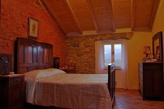 Tra Monti & Mare: Camera da letto