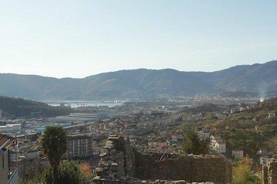 Tra Monti & Mare: Panorama da sala da pranzo