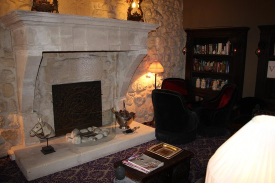 Hotel Odeon Saint-Germain: the cosy front room