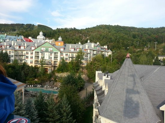 Residence Inn Mont Tremblant Manoir Labelle: From the trolley