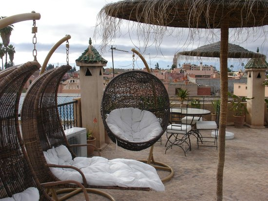 Riad Mur Akush: The roof terrace overlooking the Atlas mountains
