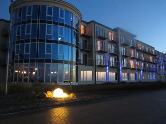 Strandhotel Georgshöhe: abends auf der Promenade