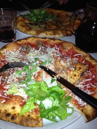 Dar Poeta amazing pizza!