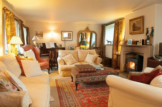 Loadbrook Cottages Bed and Breakfast: Sitting room