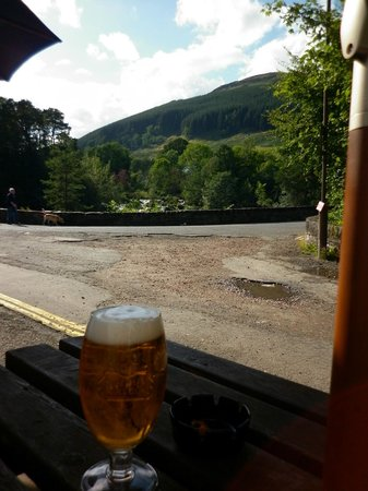 The Falls of Dochart Inn: Great views from outside