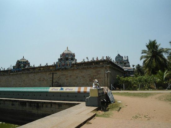 Swetharanyeswarar Temple: ON THE WAY TO RUDRAPATHAM